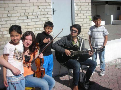 Студенты КазНУ музыканты